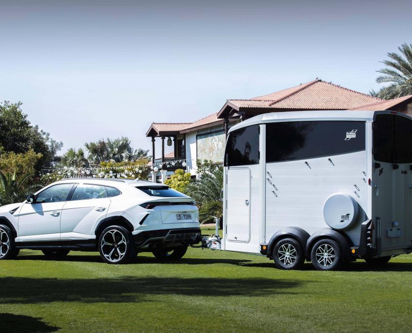 Horsebox_HBX_HBX506_Silver_alloy wheels_right hand front ramp_Lamborghini-2_outdoor location