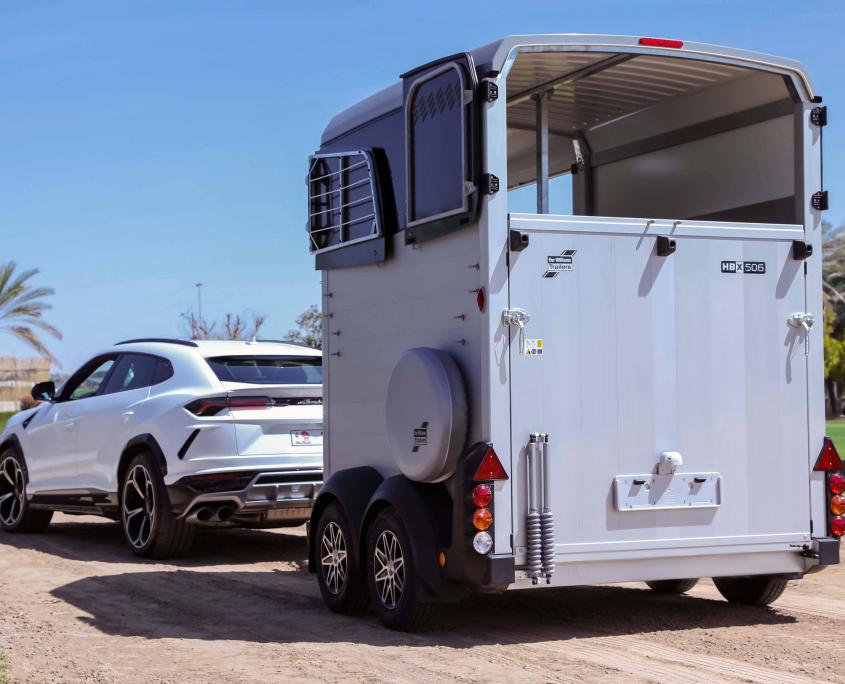 Horsebox_HBX_HBX506_Silver_alloy wheels_right hand front ramp_Lamborghini-3_outdoor location