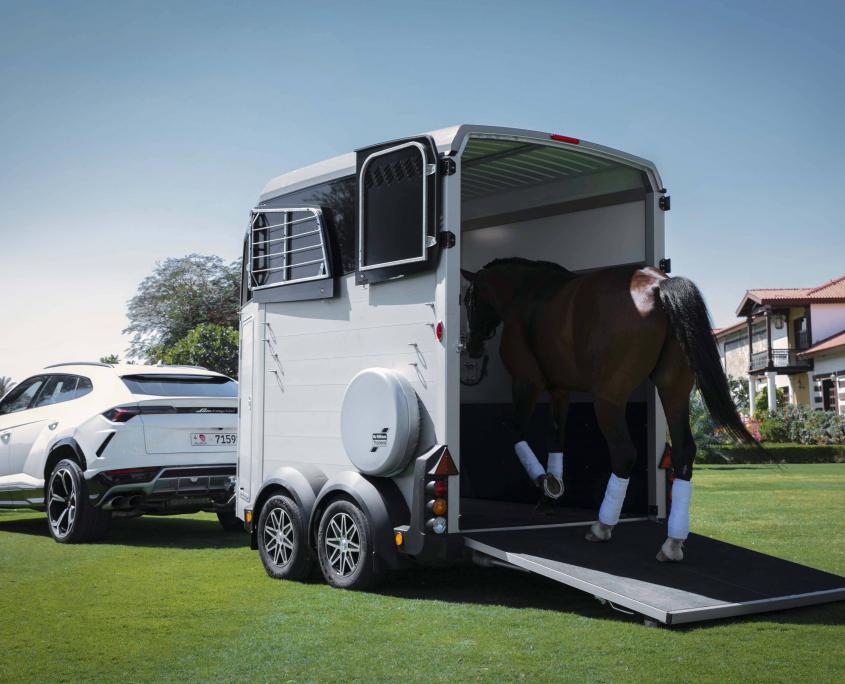 Horsebox_HBX_HBX506_Silver_alloy wheels_right hand front ramp_Lamborghini-8_outdoor location